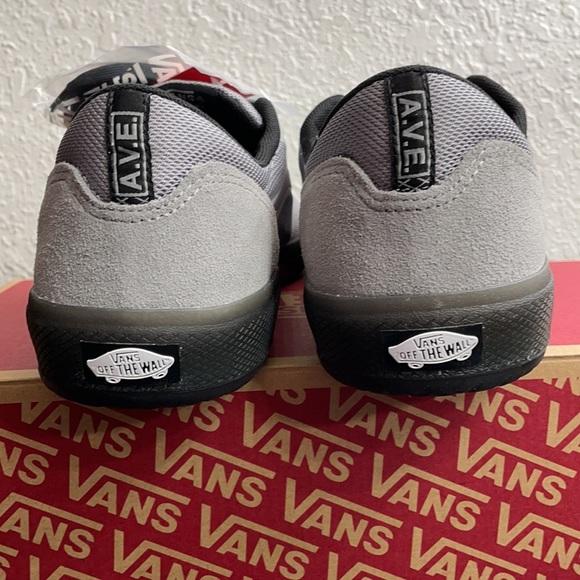 Vans Shoes   Vans Mens Ave Pro Reflective Grey Size 2   Poshmark